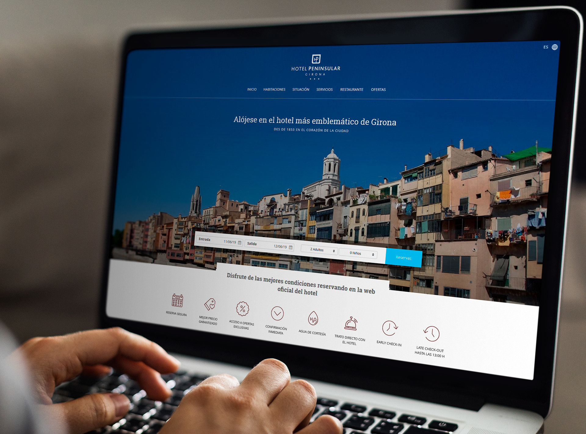 Corporate websites for hotel group